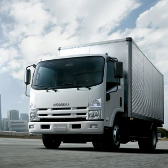 Isuzu N-series Light Goods Vehicle 14-Footer